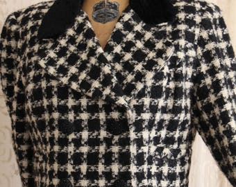 Vintage Wool Suit / Houndstooth / Winter Coat / Winter Suit / 2 pc. Skirt and Cropped Jacket / Size Small