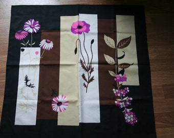 Fab flower print 1960s vintage scarf (a1)