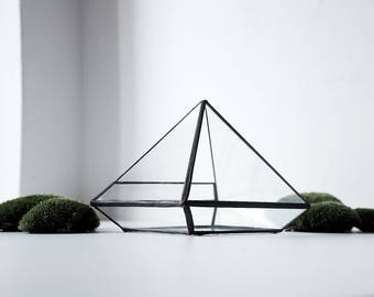 Glass Terrarium - pyramid