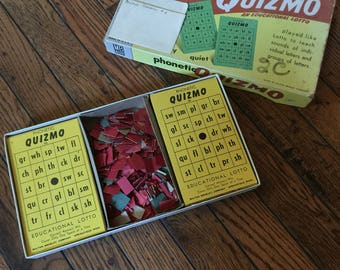 Vintage 1957 Milton Bradley Phonetic Quizmo Game