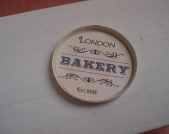 Dollshouse miniature bakery  tray - one inch 1:12th scale - dollshouse tray - min iature kitchen