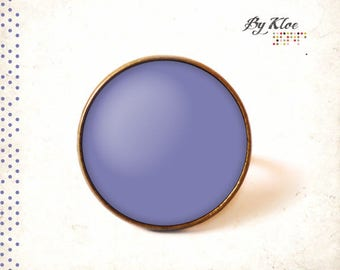 • Purple tulip Pantone color glass cabochon ring