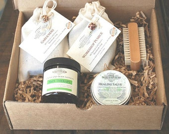 Gardeners Gift box, One Gardeners Soap, Workshop Pumice Soap, Boar Bristle nail brush and 2 oz tin Healing Salve. Great for the gardener..