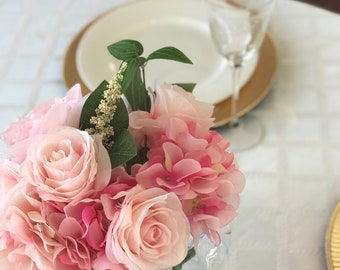 Simple Elegance Tablescape
