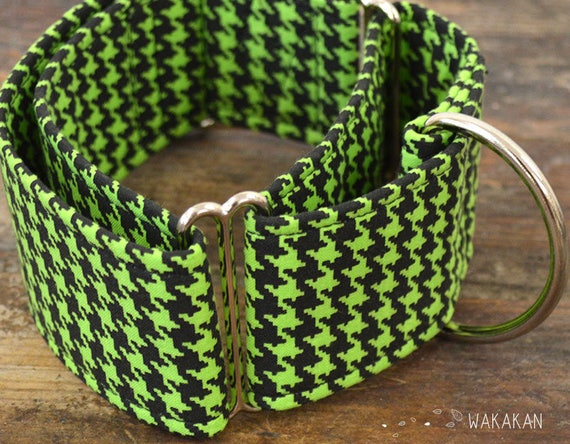 Martingale dog collar model Houndstooth Mint. Adjustable and handmade with 100% cotton fabric. Green and black. Wakakan
