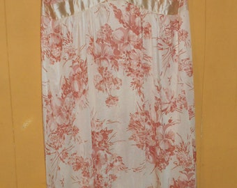 Long Nightgown Grecian 1970s BARAD Union Made USA Cream and Blush Pink floral Size Medium