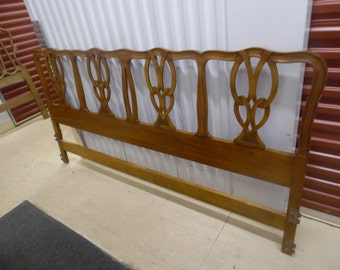 WIDDICOMB For Your HOME / John Widdicomb Chippendale King Size Wood Headboard / Attached Metal Plaque / Traditional
