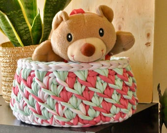 Crochet home decor - Toy storage basket - Small nursery - Crochet basket - Handmade crochet basket - Handmade crochet bowl - Pink colour