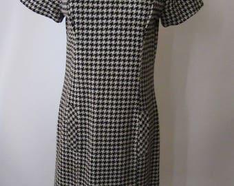"""Vintage Houndstooth """"Avante"""" 1960s Shift Dress"""