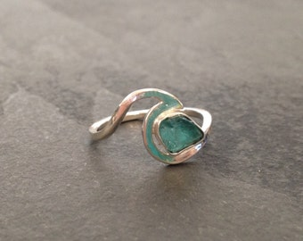 Online exclusive! Apatite Sterling silver wave ring