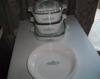 Corning Ware Set of 7- 1 1/2Quart & 1 3/4 Quart, and 9 inch CornflowerPan and 1 Pan Plate with Pyrex Lids