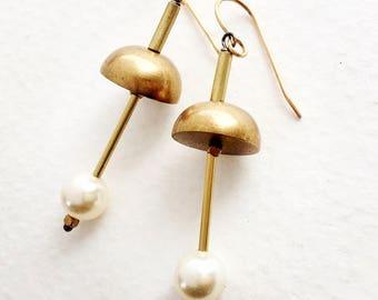 Eclipse Pearl Earrings, Modern Bridal Pearl earrings, modern pearl earrings, architectural pearl earrings, Geometric pearl earrings