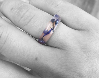 Resin ring handmade with real dried forget me nots and blue cornflower