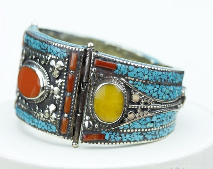 Ohh Yeah! Natural Yellow Onyx (NOT treated) Coral Turquoise Native Tribal Ethnic Jewellery Tibet Tibetan Nepal OXIDIZED Silver Bangle B2275