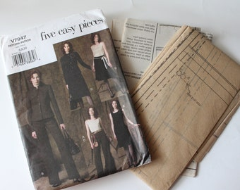Vogue five easy pieces pattern V7947 size 6,8,10 uncut brand new. Misses jacket top dress skirt pants wardrobe. printed 2004.