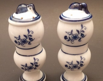 Blue Onion Style Salt and Pepper Shaker Set by Arnart