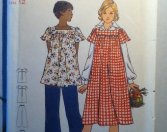 "Butterick  Maternity Dress, Top and Pants Pattern 5723  Size: 12, Bust 34"" Waist 26"" Hip 36"""