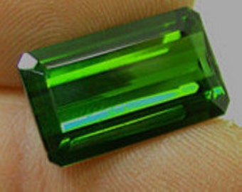 Vintage GREEN TOURMALINE Faceted Gemstone emerald cut 14.90 cts GEM3