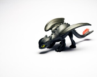 How to Train Your Dragon Night Fury, toothless, sausage, cartoon, miniature, mini figure, a black fury, Bezzubik