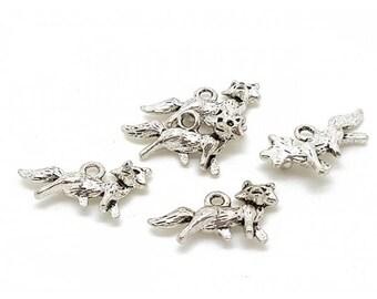 10 Silver Fox charms 22x13mm matte