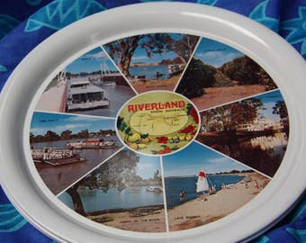Vintage tray made in Japan Vintage Australian Souvenir Riverland South Australia  tin tray round tray unused collectors tray