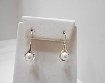 Vintage Avon Faux Pearl Drop Pierced Earrings (8202)