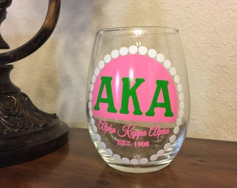 Alpha Kappa Alpha Pearls: 15oz Stemless Wine Glass
