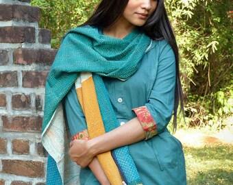 """Etole en patchwork brodée main """"kantha"""" mode éthique - coton et ramie - Bleu, vert, orange, beige"""