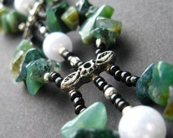 Handmade Wrist Cuff in Agate - Pearls in th Moss Bracelet. Handmade Bracelet.