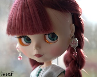 Cream floral glass earrings for Blythe or similar doll.