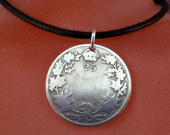 CANADIAN SILVER COIN.  necklace. antique silver coin. silver quarter. fob . canada.  No.001311