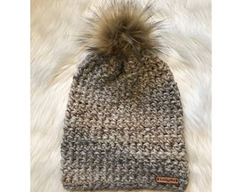 Ladie's Criss-Cross Beanie in Fossil