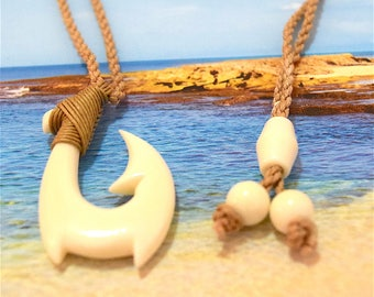 Fish Hook Necklace, Wholesale Discount, Hawaiian Hand Carved Buffalo Bone Fish Hook Necklace, B7007