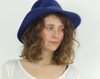 90's vintage women's blue hat