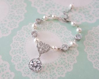Forever Love Victorian Style Swarovski Pearl Bridal Bracelet, Vintage Style Old Hollywood Pearl Bridal Wedding Bracelet, Heart pendant