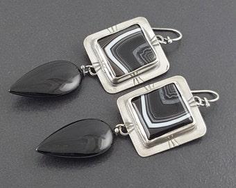 Banded Agate and Black Onyx Drop Earrings, agate earrings, black onyx earrings, long dangle earrings, black white gray earrings, boho