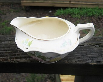 Cannonsburg Pottery Gravy Boat, Georgelyn, Floral Design, 6 by 4 1/2 Inches, Vintage Cannonsburg Pottery, Kitchen Server