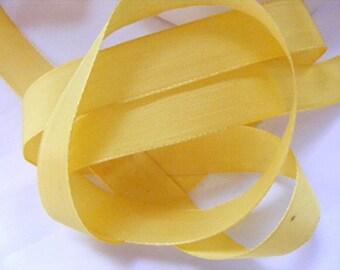 Vintage 1940's English Woven Taffeta Satin Ribbon 11/16 Inch Daffodil Yellow