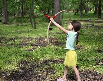 Children's Bow & Arrow Set - Steam-Bent Hardwood Longbow