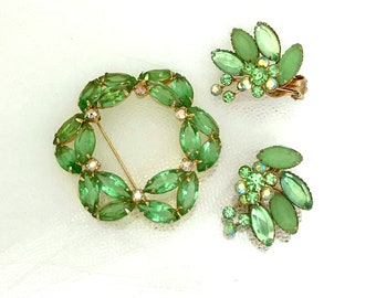 50s Spring Green Demi Parure Set - Sparkling Rhinestone Brooch & Matching Clip Earrings - Vintage Jewelry