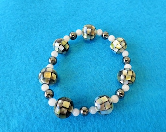 Mosaic shell stretch bracelet