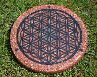 Flower of life Orgone charging plate  - Black Iron Oxide, Copper flake & powder, Rainbow moonstone, Black Onyx, Labradorite, Sacred geometry