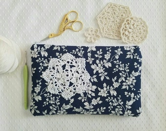 Crochet Lace Zip Pouch, doily clutch purse, hand crocheted doily, Navy and white floral, travel pouch, pen or pencil pouch, organizer
