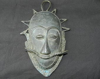 Mask bronze Egyptian King solid bronze, antique vintage crowned head face mask, 31 cm (12.20 inches) tall