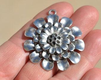 1 Flower 3D Silver Tone Large Flower Pendant SC2119