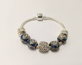 Bracelet charm, Blue's with Pearl enamel blue ref 521