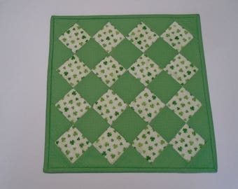 St Patrick's Day Quilted Table Topper, Irish Shamrock Table Quilt, Quilted Table Runner, Quilted Candle Mat, St Patrick's Day Decor