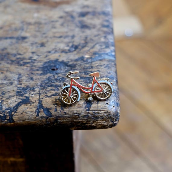 "Pin badges ""A bicycle - red & gold"""