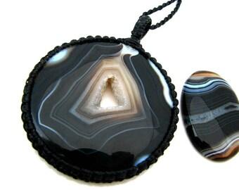 Sardonyx  Necklace / Sardonyx jewelry / heal stone necklace / Macrame / Healing Stones and crystals / Statement necklace / wrapped pendant