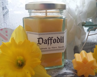 Yellow Daffodil scented candle, handmade by Klairs Kandles, using natural soy wax, great for gifts, vegan friendly, spring time is here